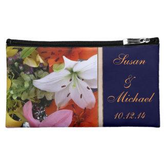 Bolso cosmético nupcial personalizado con el lirio