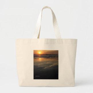 Bolso de la puesta del sol en marzo bolsas
