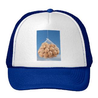 Bolso de nueces gorros bordados