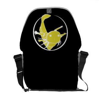 Bolso del círculo del Axolotl (oro en negro) Bolsas De Mensajería