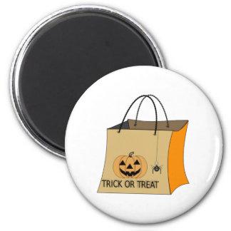 Bolso del truco o de la invitación de Halloween Imanes De Nevera