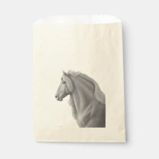 Bolsos frisios orgullosos del favor del caballo