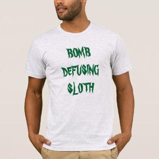 """Bomb Defusing Sloth"" t-shirt"