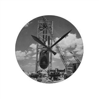 Bomba atómica enorme colocada para la prueba de la reloj redondo mediano