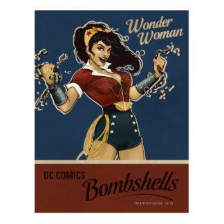 Bomba de la Mujer Maravilla Tarjetas Postales