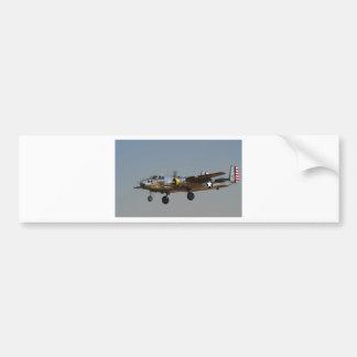 BOMBARDERO B-25 ETIQUETA DE PARACHOQUE
