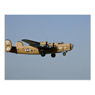 Bombardero de Lil B-24 del diamante, aterrizando Tarjeta Postal