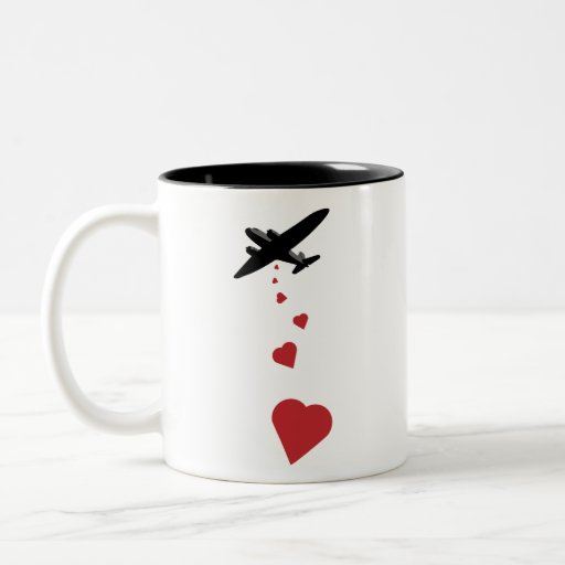 Bombardero del corazón - haga la guerra del amor n tazas