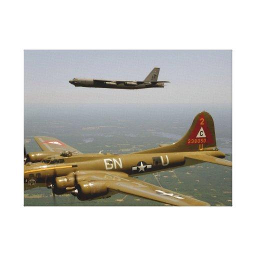 Bombarderos de B17G y de B52H en vuelo Lona Envuelta Para Galerias