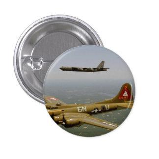 Bombarderos de B17G y de B52H en vuelo Pins