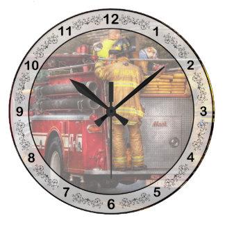 Bombero - cuerpo de bomberos de Metuchen Reloj Redondo Grande