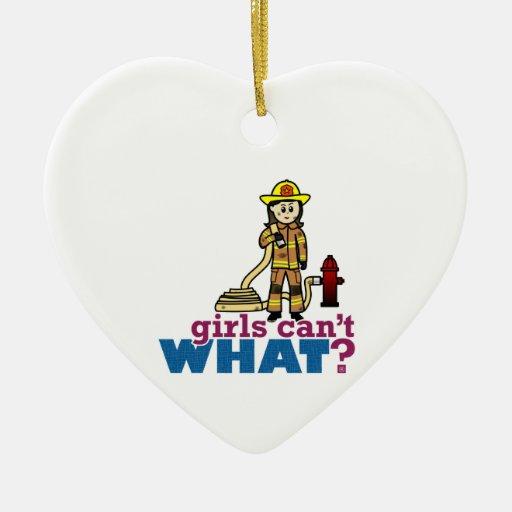 Bombero de la mujer adorno de cerámica en forma de corazón