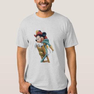 Bombero de Mickey Mouse en escalera Playeras
