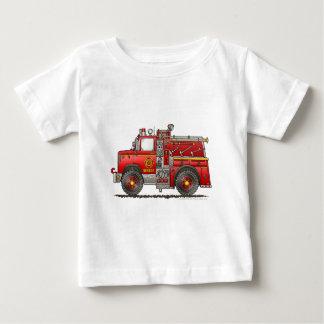 Bombero del coche de bomberos del rescate de la playera de bebé