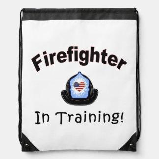 Bombero en el entrenamiento mochila