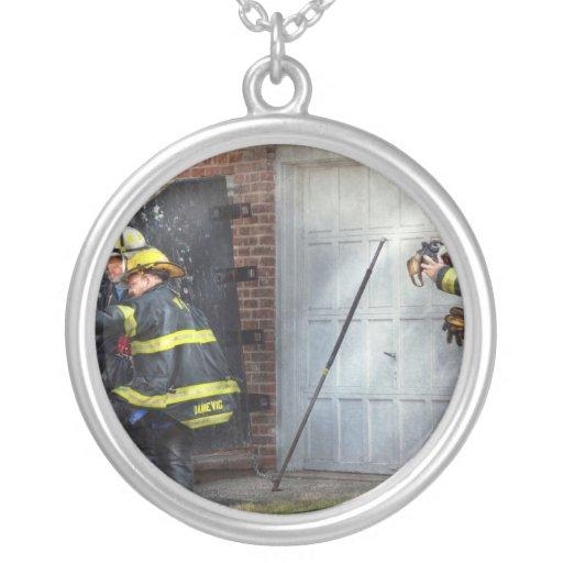Bombero - tome todos los fuegos seriamente colgante redondo