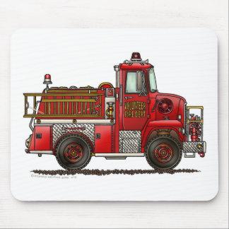 Bombero voluntario del coche de bomberos alfombrilla de ratón