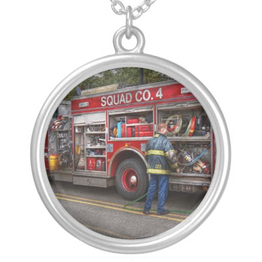 Bomberos - el coche de bomberos moderno colgante