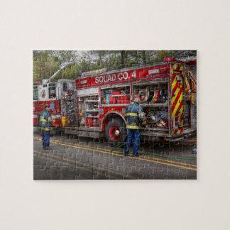 Bomberos - el coche de bomberos moderno puzzle