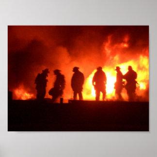 bomberos en la acción poster