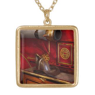 Bomberos - un trabajo elegante collar dorado