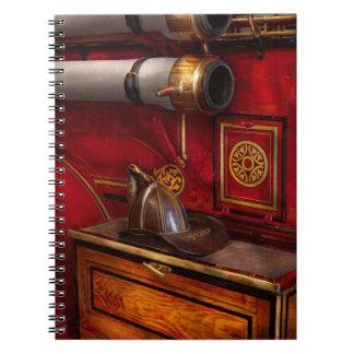 Bomberos - un trabajo elegante cuaderno