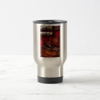 Bomberos - un trabajo elegante taza