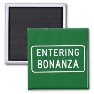 Bonanza, Road Marker, Oregon, USA Fridge Magnets