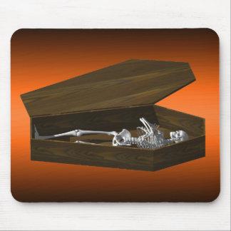 Bones in a Coffin: Halloween: Mousepad