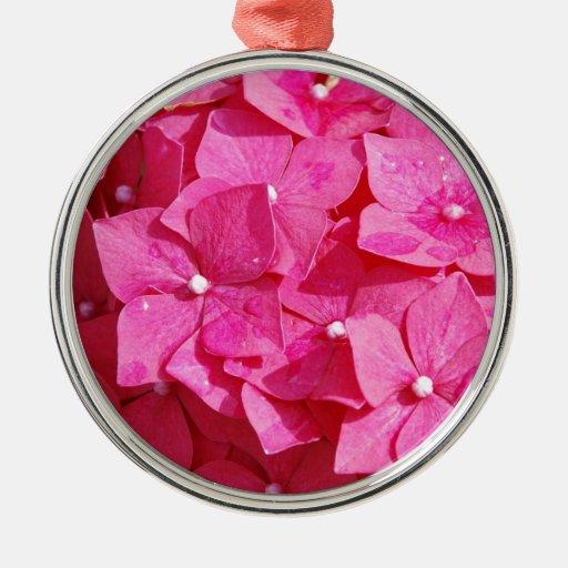 Bonito en rosa adorno navideño redondo de metal