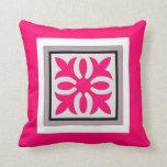 Bonito en rosa almohadas