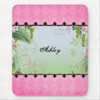 Bonito en rosa tapete de ratones