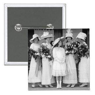 Bonito en White, 1912 Pin
