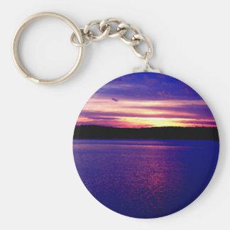 Bonito mágico de la puesta del sol del lago púrpur llavero personalizado