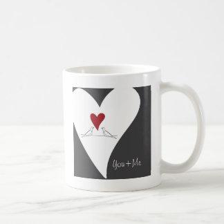 Bonito rústico personalizado pájaro lindo del amor taza básica blanca