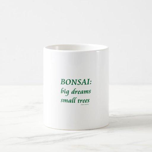 Bonsais, pequeño diseño de los árboles de los sueñ tazas de café