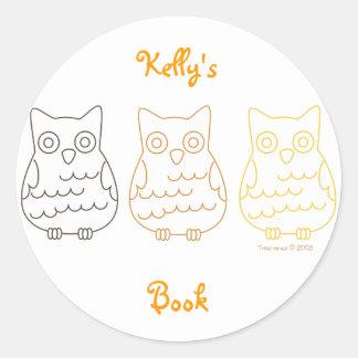 Book Club Owls Classic Round Sticker
