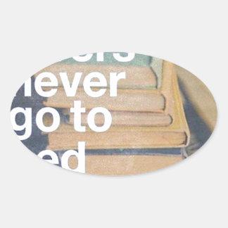 Book lovers - Amantes de Livros Adesivos Oval