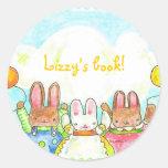 bookplate de los conejitos del globo etiquetas redondas