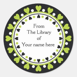 Bookplate - lunares verdes del blanco de los pegatina redonda