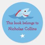 Bookplates adaptables azules de los pescados del d pegatinas redondas