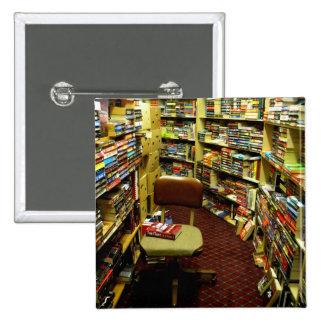 Bookshelves Button