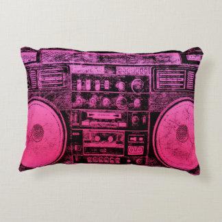 boombox rosado cojín decorativo