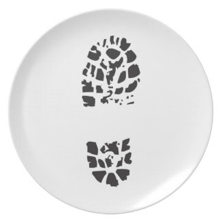 BOOT PRINT PARTY PLATES