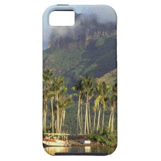 Bora Bora, French Polynesia Waterfront scene and iPhone SE/5/5s Case