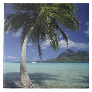 Bora Bora, Polinesia francesa Mt. Otemanu visto Azulejo Cuadrado Grande