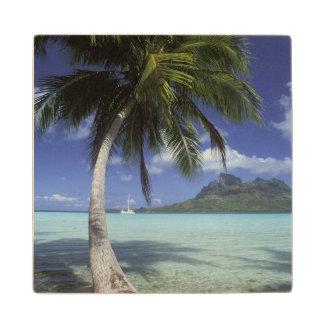 Bora Bora, Polinesia francesa Mt. Otemanu visto Posavasos De Madera