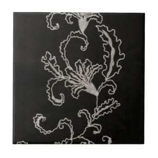 Bordado blanco y negro azulejo cuadrado pequeño