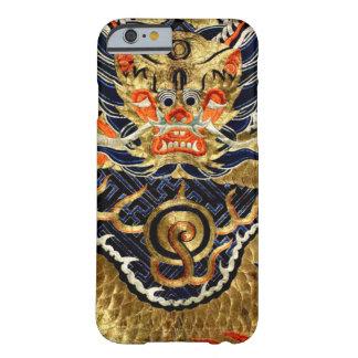 Bordado de seda chino del dragón funda barely there iPhone 6