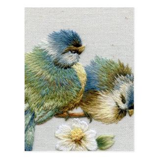 Bordado lindo del pájaro postales
